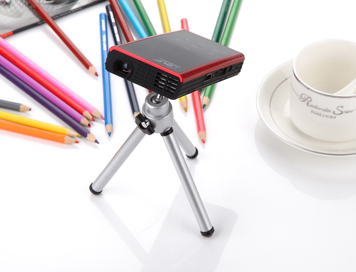 High quality and resolution phone mini led projector dlp for High resolution mini projector